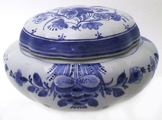 "De Porceleyne Fles Blue 6.2"" Blue Floral Covered Dish (1017)"