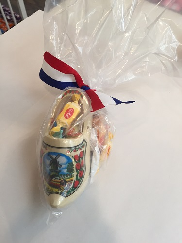 Dutch clog small filled w Dutch treats in Gift Bag (OUT OF STOCK