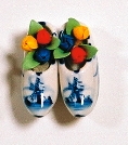 Mini Clog Magnet with Flowers (MINIMUM ORDER 40)