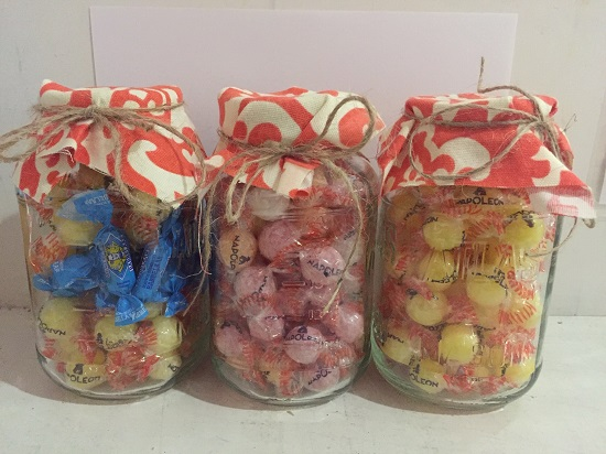 *GREAT GIFT - Mason Jar w Assorted Dutch Candies