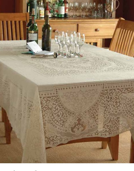 Canterbury Classic Rectangle Tablecloths