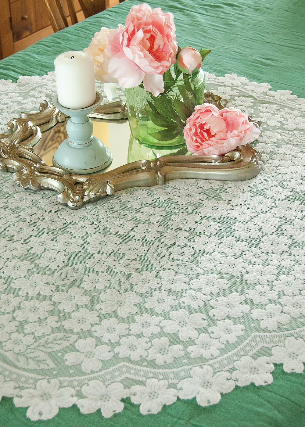 "Dogwood White Table Topper 42"" x 42"""