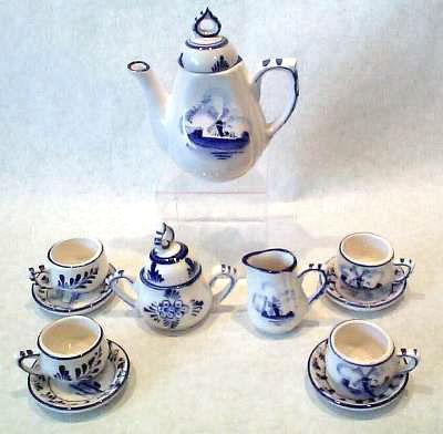 Blue and White Child Tea Set