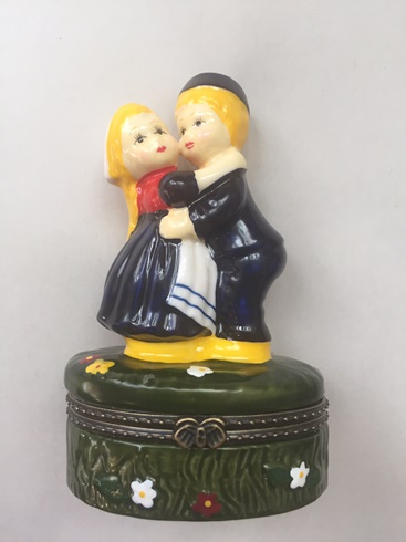 Dutch Couple Treasure Box