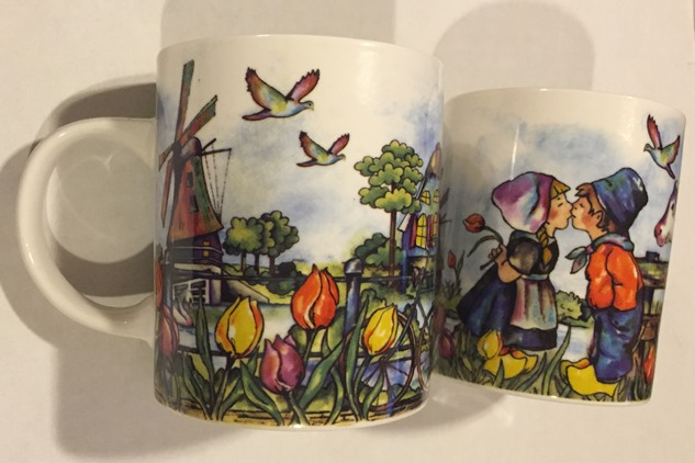 Holland Scene Mug (price for 1)(2 OF EACH LEFT)