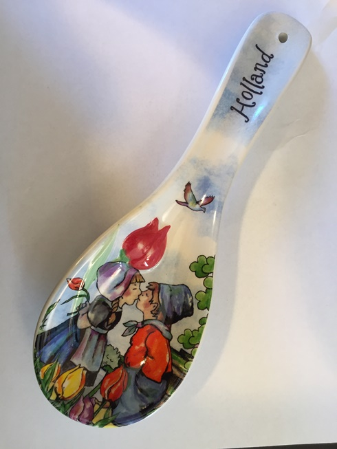 Holland Scene Spoonrest - Dutch Kissing Couple