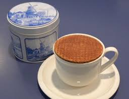 Stroopwafels in Delft Blue Tin